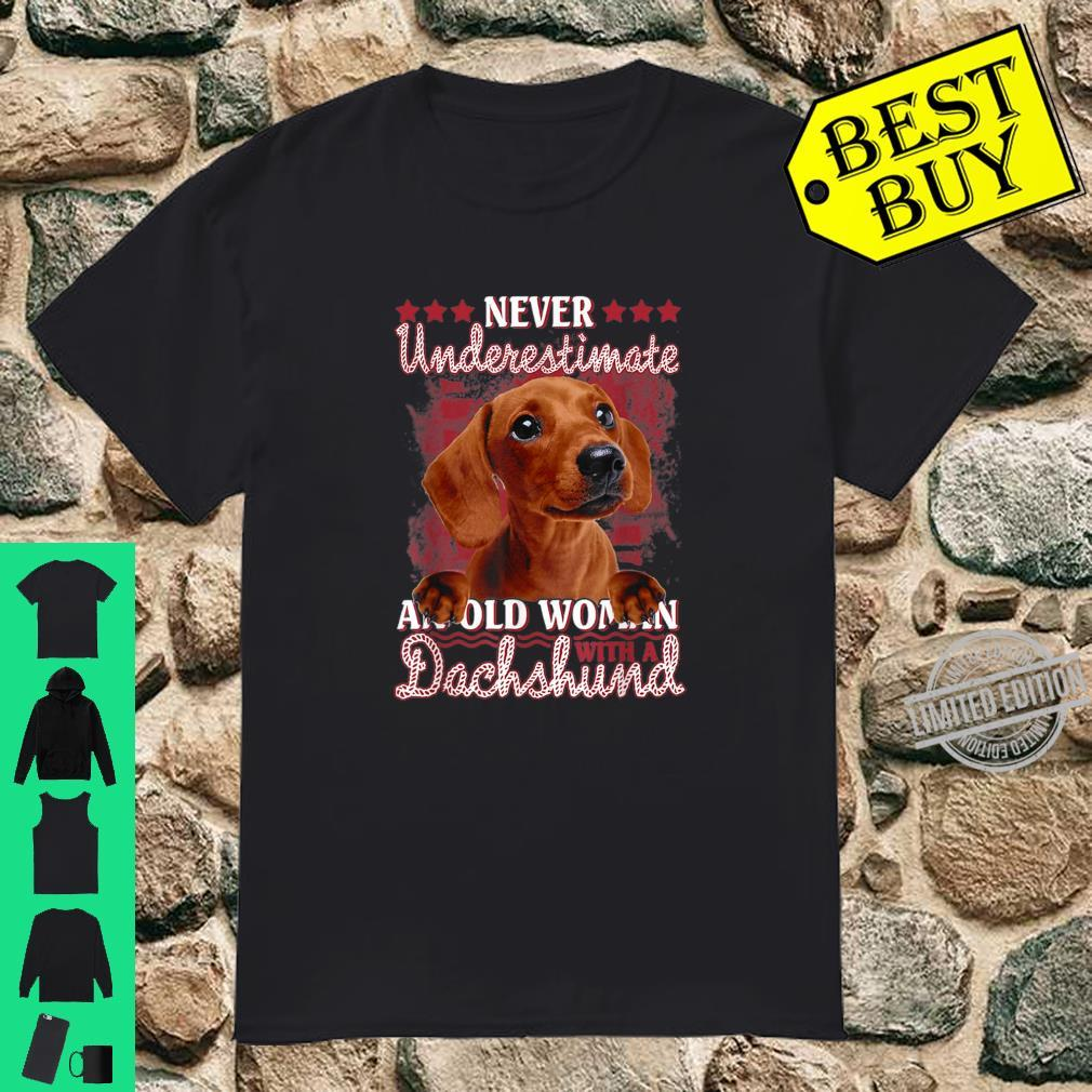 Never underestimate an old with a Dachshund Shirt
